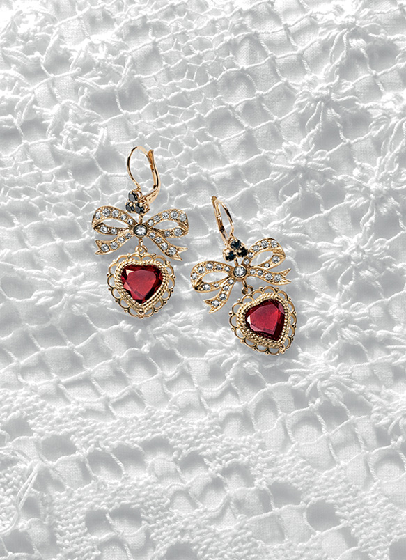 on gabbana spectacular earrings deal dolce lobster shop and