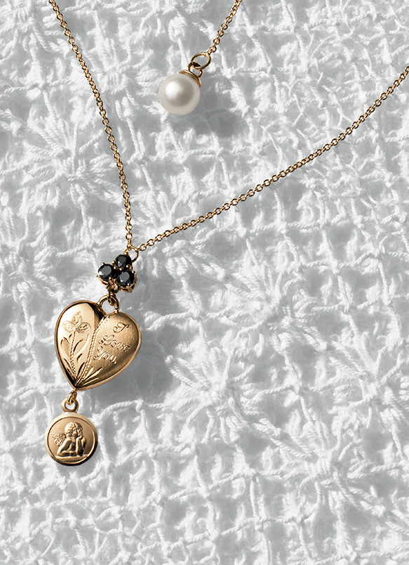 1d22871c Rings, necklaces, earrings and bracelets with heart and lock pendants - D&G  Jewellery | Jewellery Dolce&Gabbana
